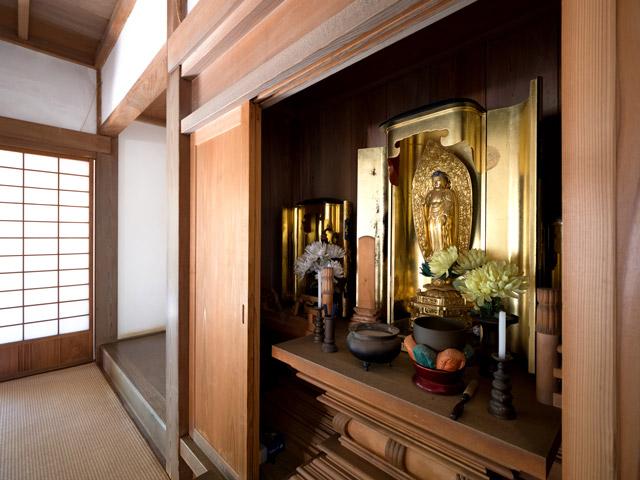 仏壇のイメージ写真