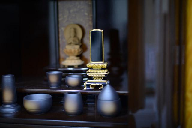 仏壇と位牌のイメージ写真