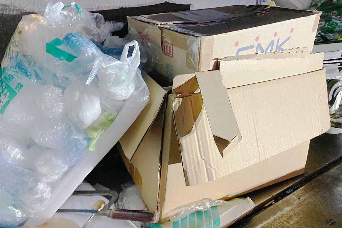 京都市上京区にて回収した段ボール他不用品の写真
