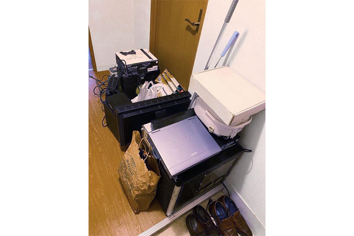 大阪市淀川区にて回収したパソコン、モニター他不用品の写真