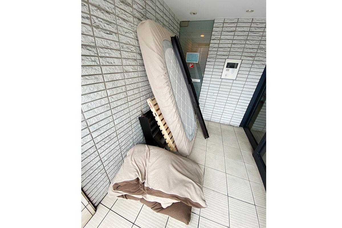 京都市上京区にて回収したベッド、マットレス他不用品の写真