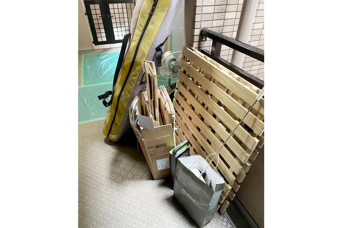 京都市中京区にて回収した扇風機、スノーボード、すのこ他不用品の写真