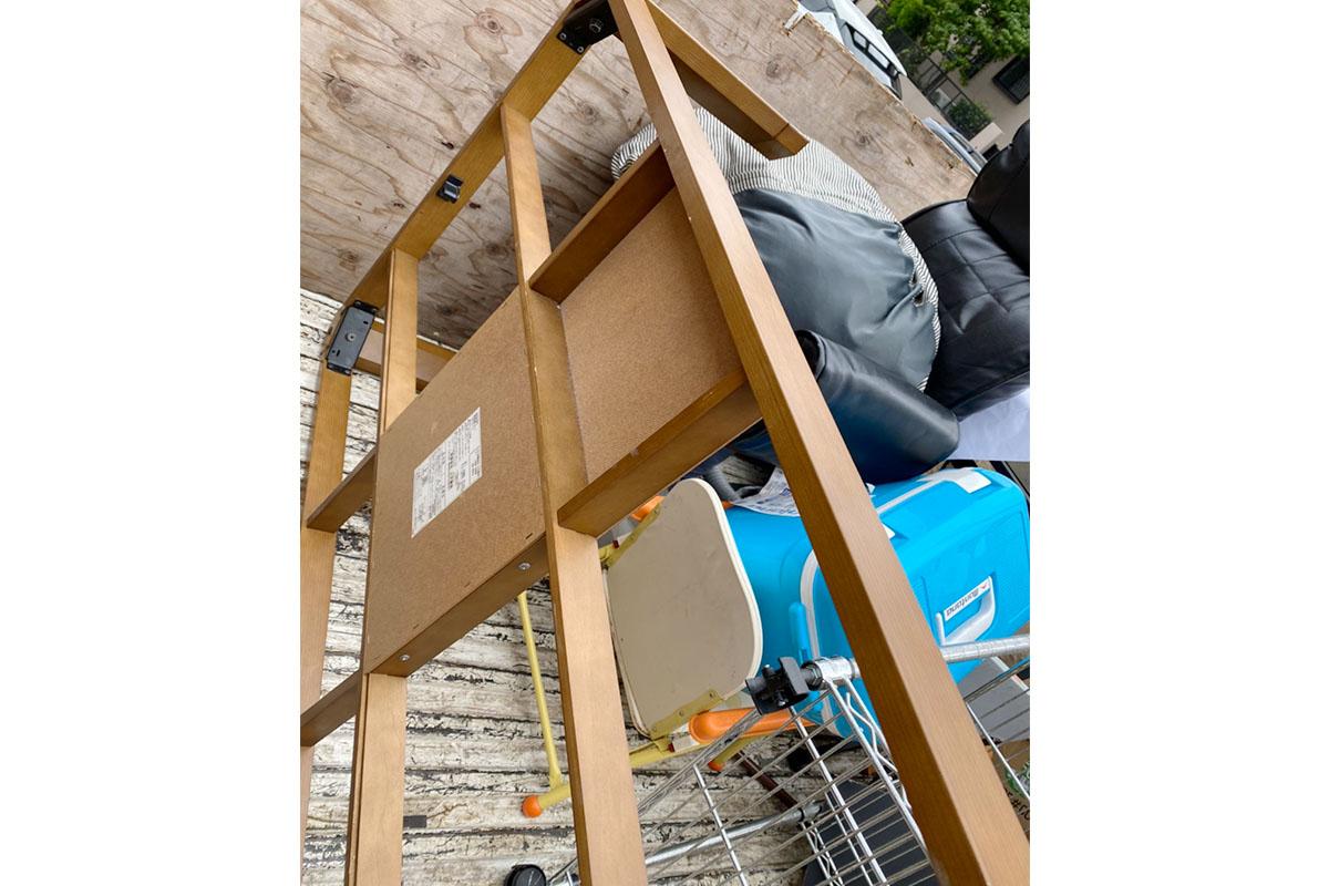 大阪府枚方市にて回収したこたつや座椅子など不用品の写真