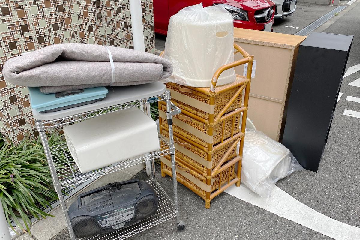 大阪市福島区にて回収した小型家電や家具等不用品の写真