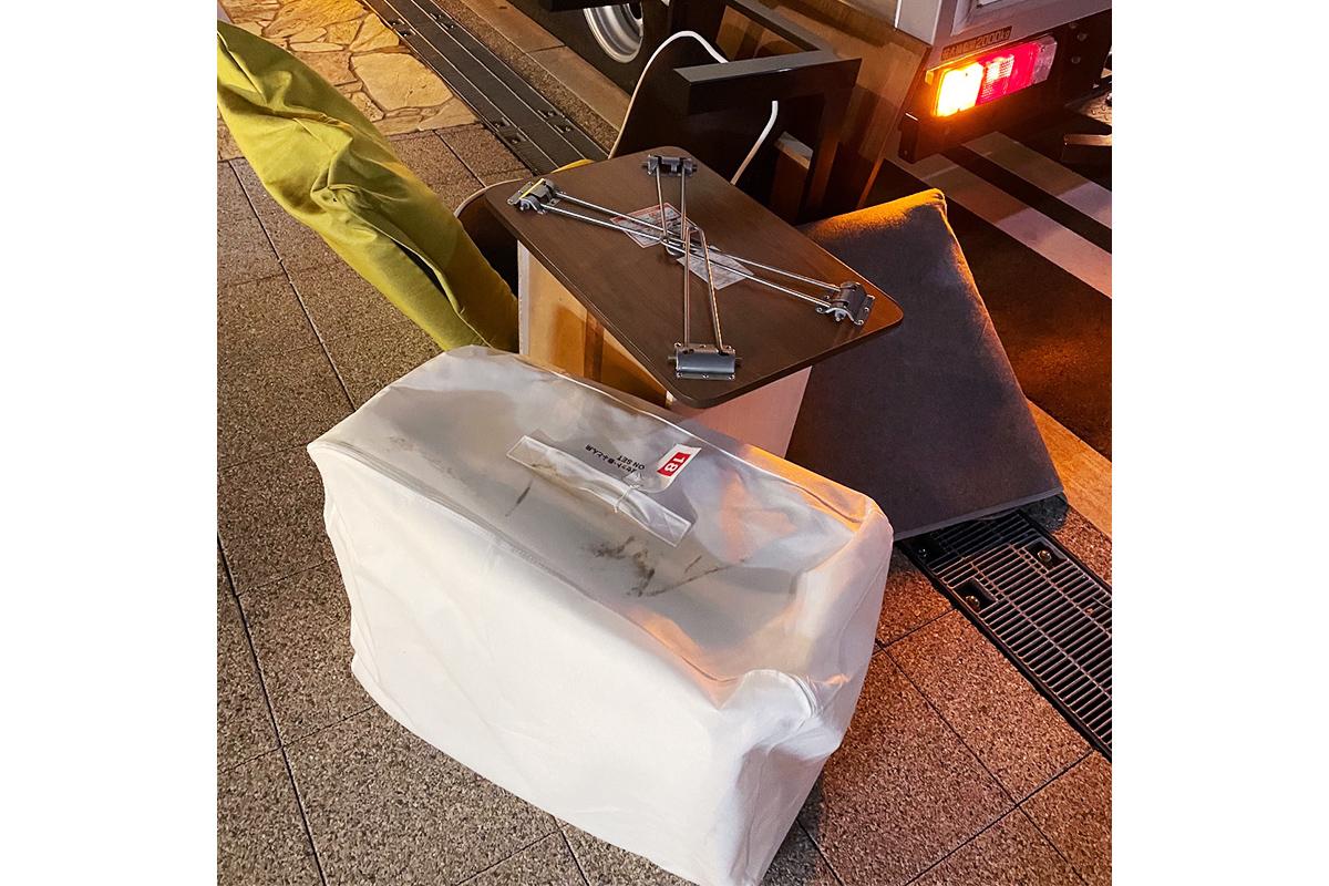 大阪市淀川区にて回収したテーブルやカラーボックス等不用品の写真