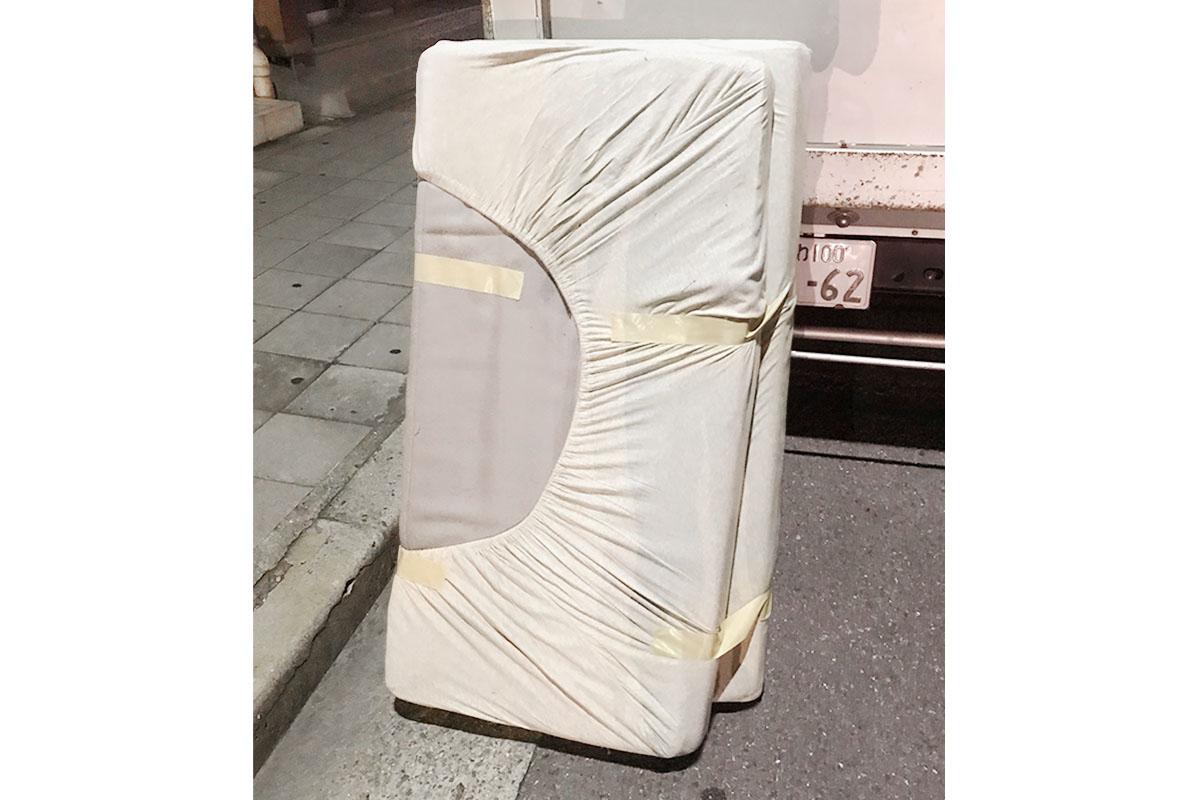 大阪市中央区にて回収したマットレスの写真